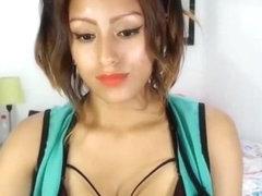 Carmen Electra Upskirt