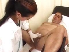 chernaya-seks-klizma-zhenskie-orgazmi-zanyalis-lyubovyu